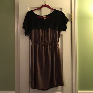 Super cute black and brown dress with lace detail
